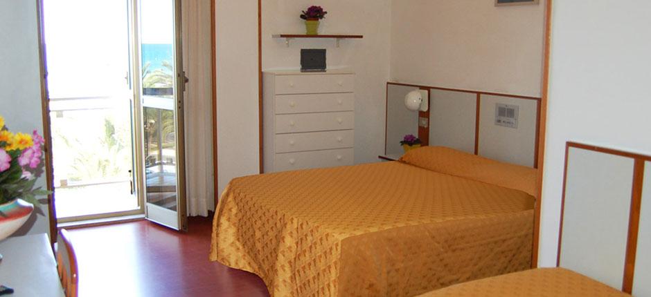 Hotel fronte mare con piscina per vacanze ad alba - Hotel con piscina abruzzo ...